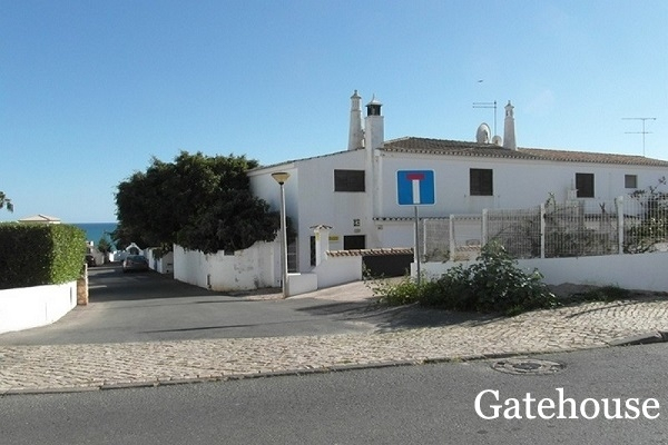 Bank Repossession - 4 Bed Villa With Pool And Sea Views For Sale In Olhos d Agua