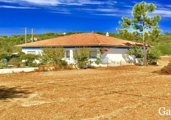 3 Bed Property For Sale near Sao Bras De Alportel