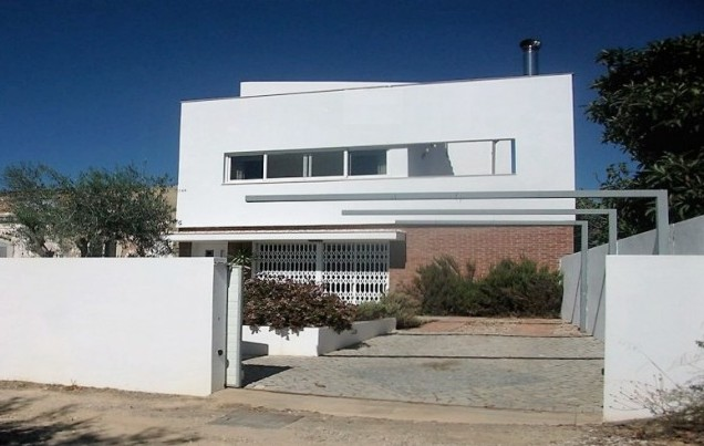 3 Beds Villa + Annexe For Sale Algarve