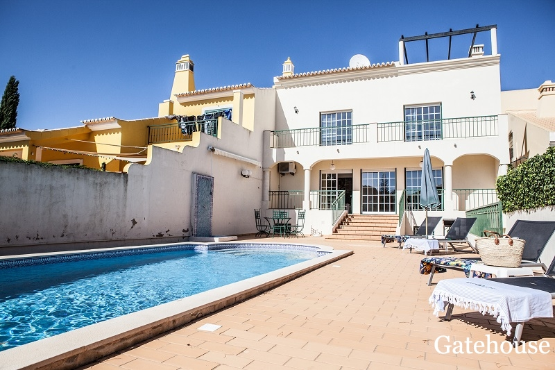4 Bed Townhouse With Private Pool For Sale In Vilamoura