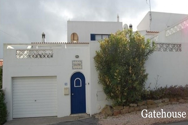 Algarve 3 Bed Traditional Villa With Pool For Sale In Luz