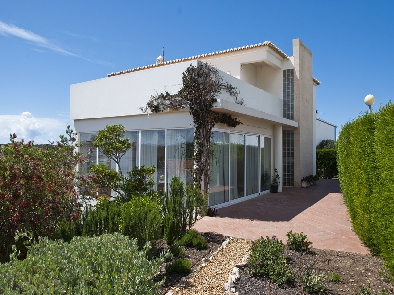 Algarve 4 Bed Villa With Views For Sale In Carrapateira