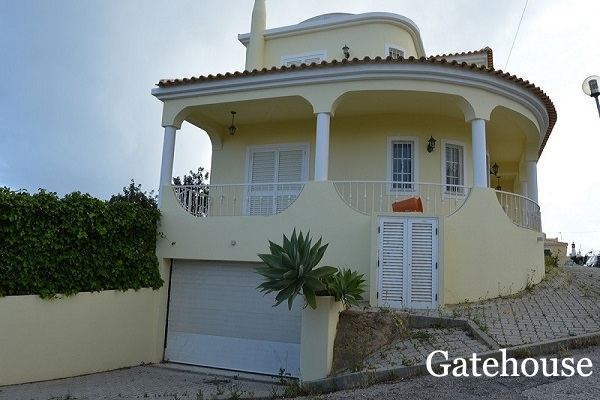 Algarve Bank Repossession – 4 Bed Villa For Sale In Armação de Pêra