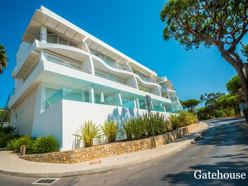 Bank Repossession - Vale do Lobo Duplex Apartment With Sea Views For Sale