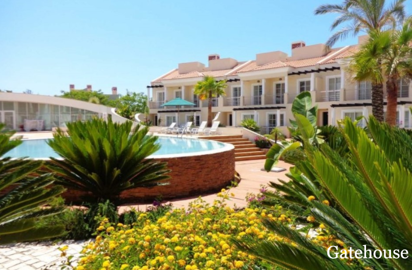 Bank Sale - 4 Bedrooms Townhouse For Sale In Palmyra Residence Vilamoura