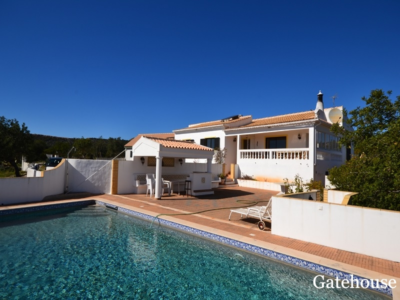 Bargain 3 Bed Villa With Pool For Sale In Boliqueime