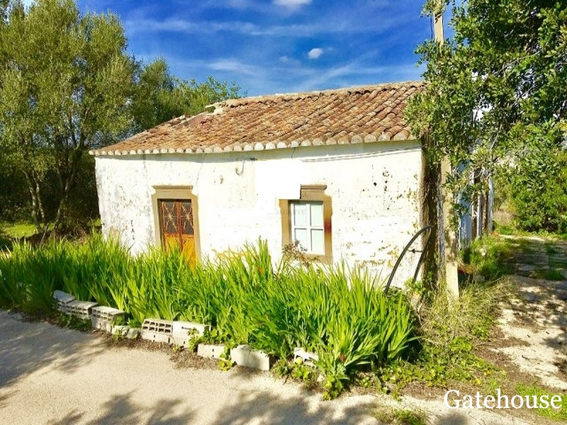 Bargain Opportunity - Old Property With Annex To Renovate For Sale In Sao Bras