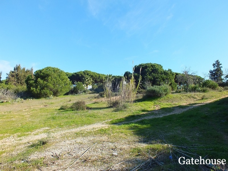 Building Plot With A Project Approved For Sale In Almancil Algarve