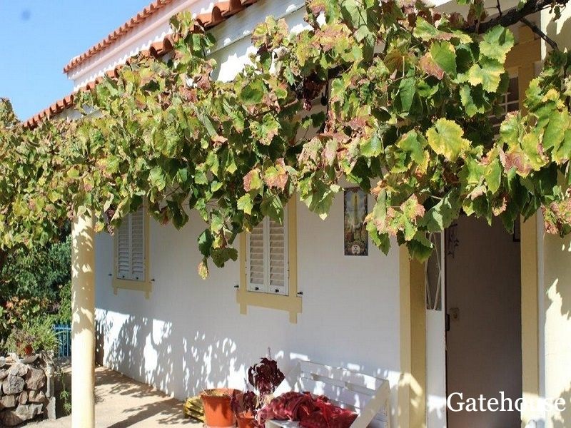 Cheap 5 Bedroom Villa For Sale in Loule Algarve
