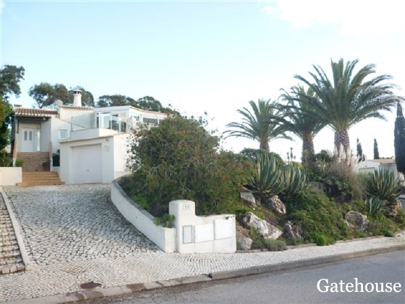 Detached 3 Bed Villa With Pool For Sale In Parque da Floresta