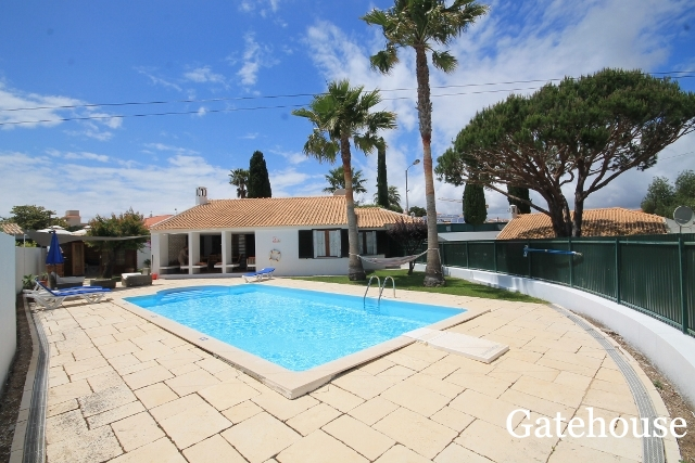 Detached Villa With 3 Beds And Pool For Sale In Albufeira