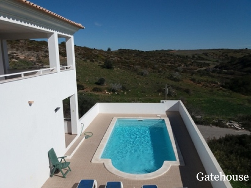 Detached Villa With 4 Bed And Sea Views For Sale In Vila do Bispo