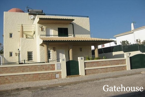 Galé Bank Repossession - 4 Bed Villa With Sea Views For Sale Nr The Beach