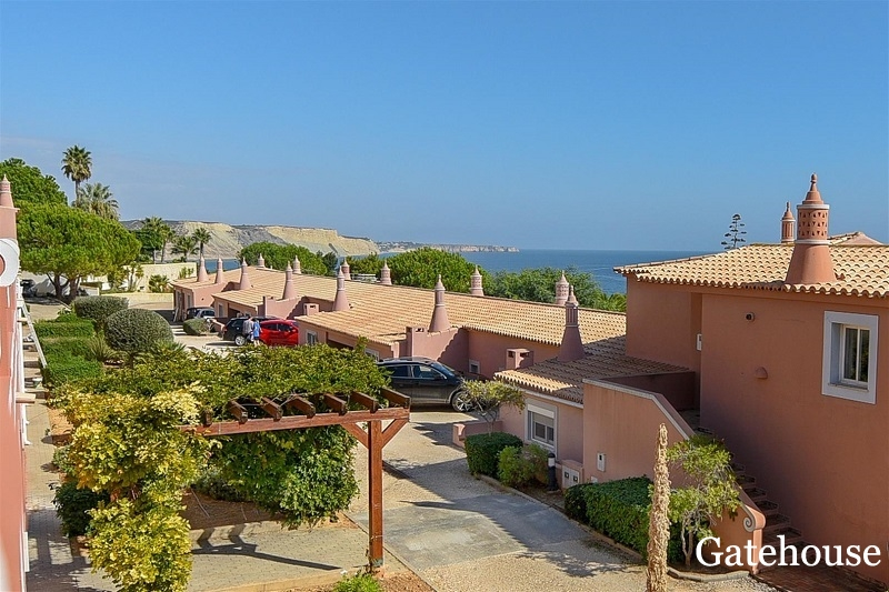 Good Price - Sea Views 2 Bed Apartment For Sale In Praia da Luz