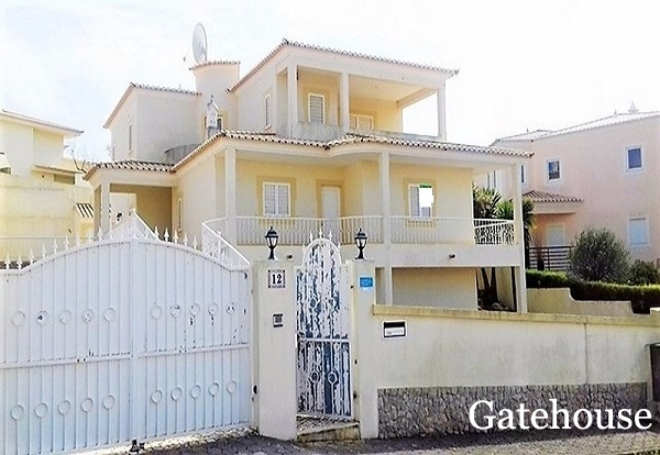 Lagos Bank Repossession - 4 Bed Villa With Pool For Sale Nr The Beach