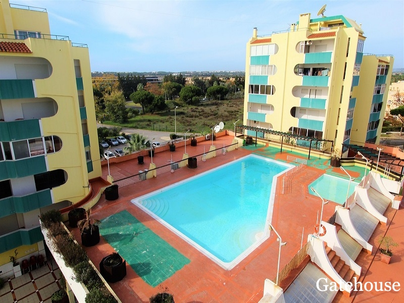 Modern 2 Bed Apartment With Views For Sale In Vilamoura