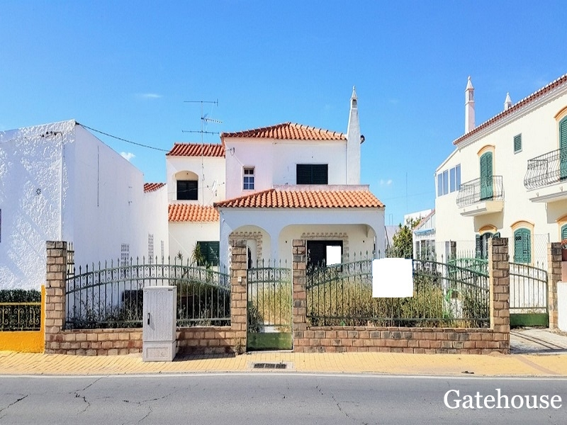 Monte Gordo 4 Bed Bank Sale Villa In Algarve
