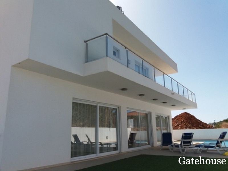 New Villas With 2 & 3 Beds For Sale In Lagos Algarve