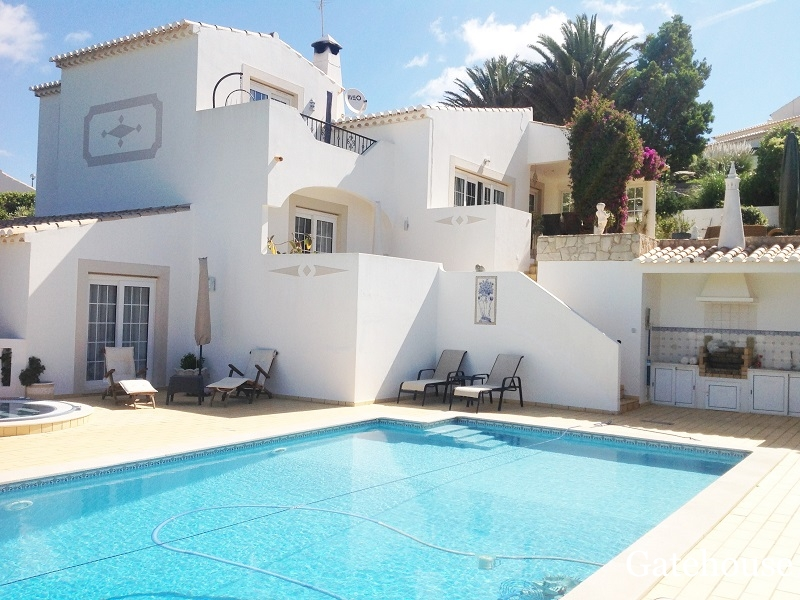Property With 4 Bedrooms And Pool Sale In Parque da Floresta Algarve