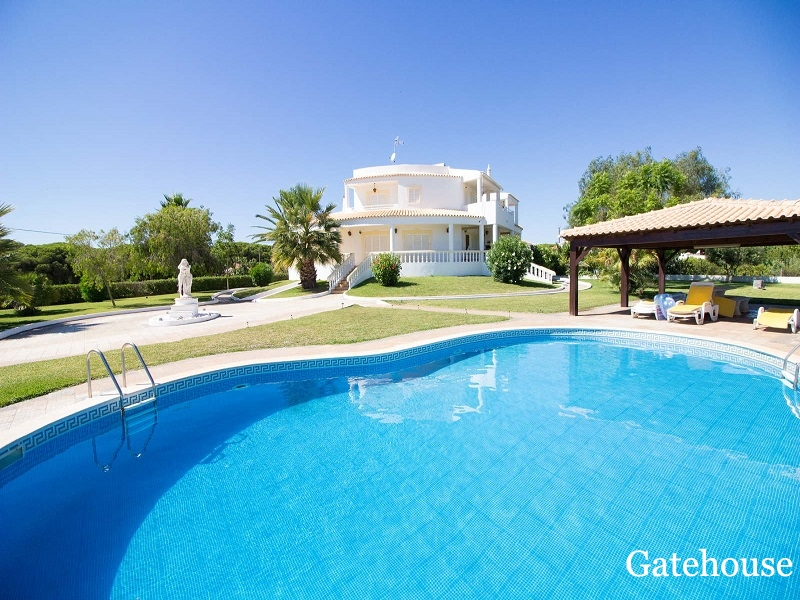 Reduced Algarve Villa Plus 2 Houses With 9 Beds Nr The Beach