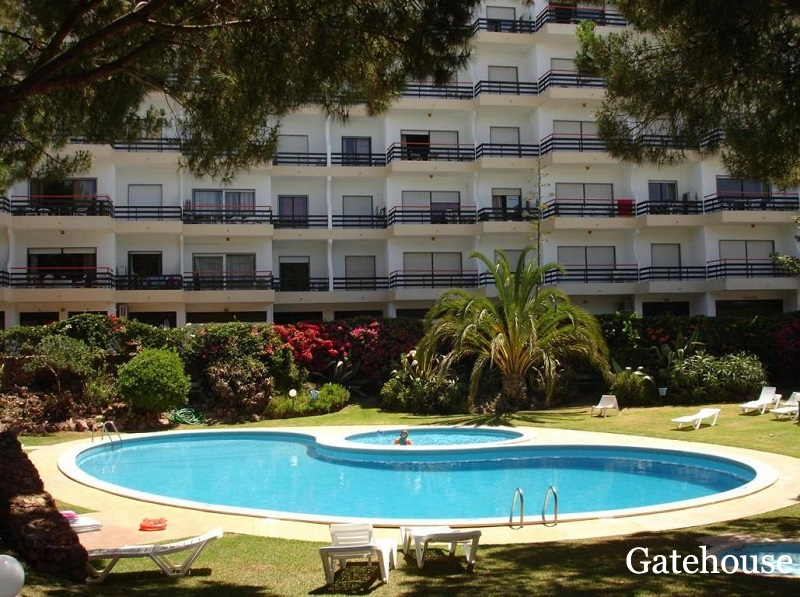 Sea Views 2 Bed Apartment For Sale Vilamoura Algarve