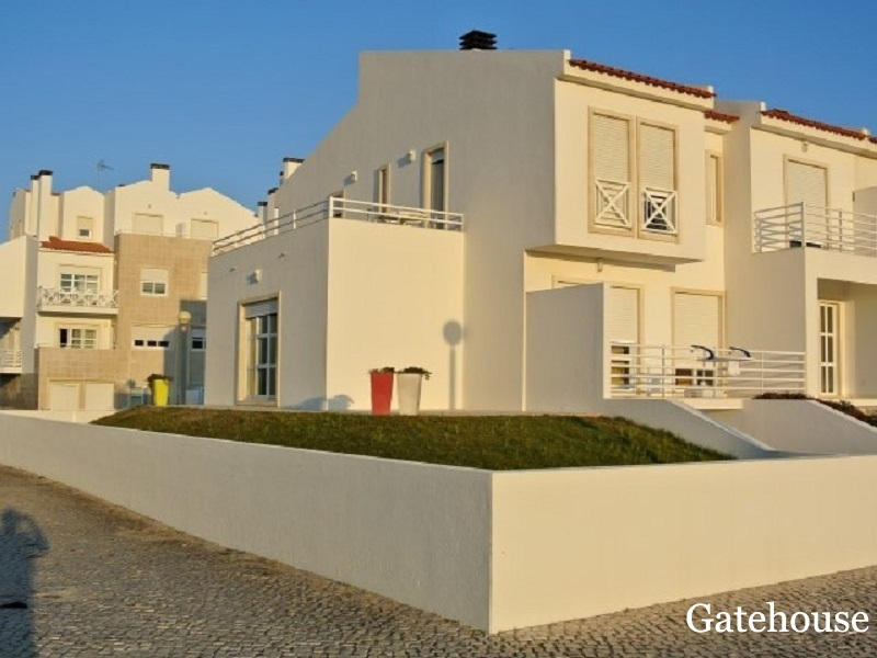 Sea Views Townhouse With For Sale In Peniche Silver Coast