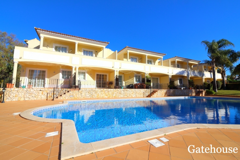 Townhouse Of 2 Bedrooms For Sale In Almancil Algarve