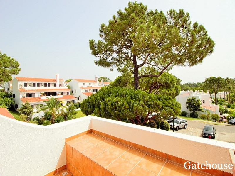 Vale do Lobo 3 Bed Apartment For Sale In Golden Triangle