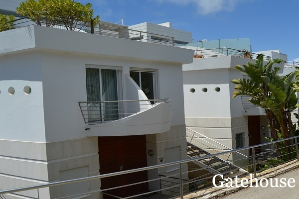 Vale do Lobo Bank Repossession – 2 Bed Apartment With Sea Views For Sale
