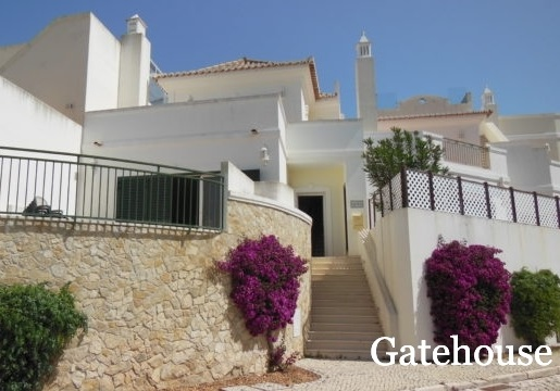 Vale do Lobo Bank Repossession - 3 Bed Townhouse With Pool For Sale