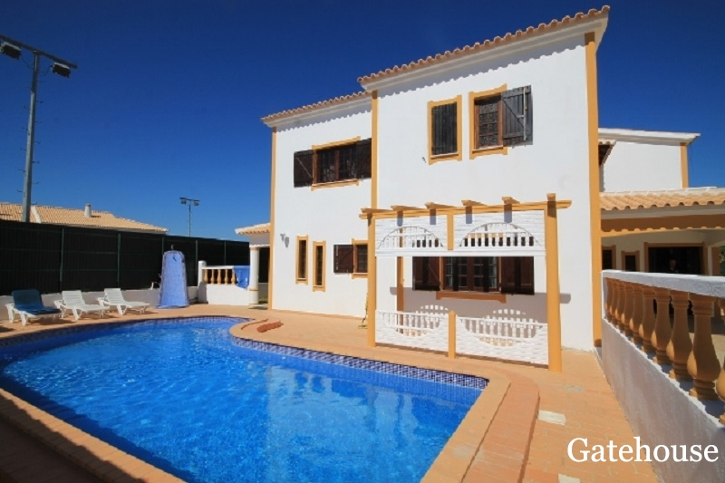 Villa Of 4 Beds For Sale In Albufeira Algarve