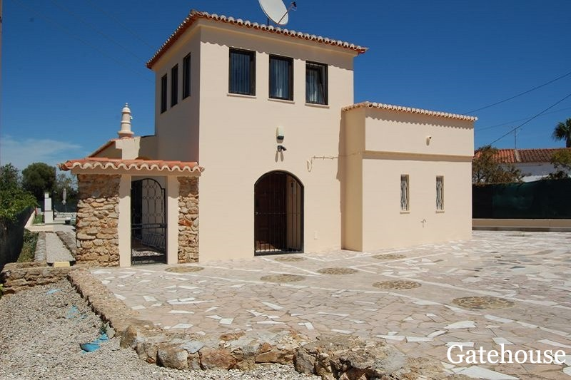 Bargain Villa For Sale in Carvoeiro Algarve