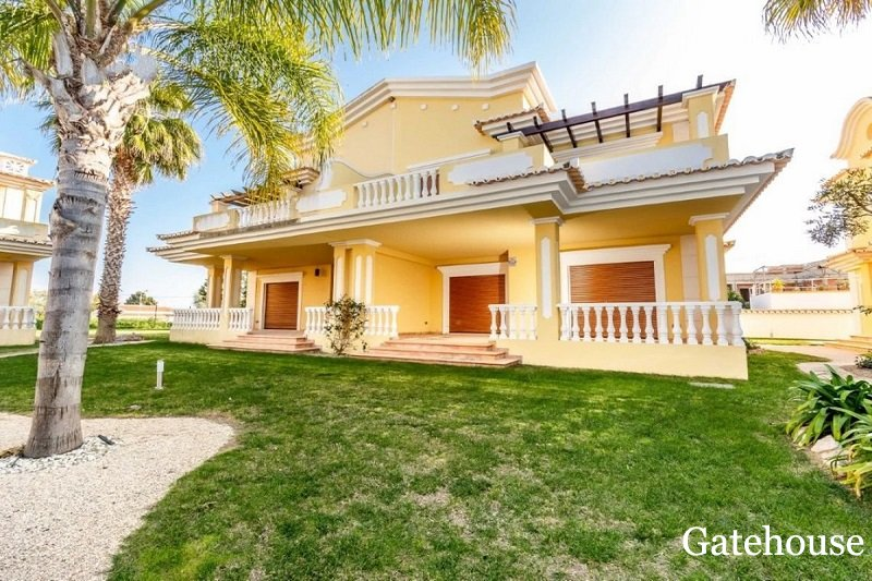 Algarve Property Bank Repossession In Cabanas