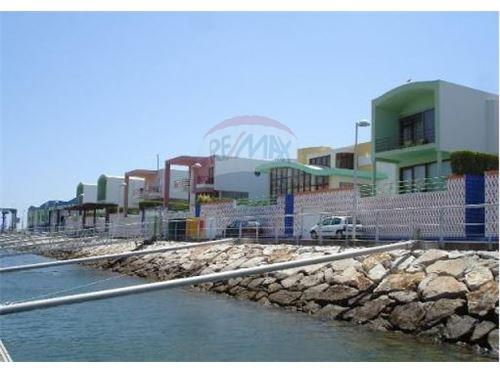 Bank Repossession On The Albufeira Marina For Sale