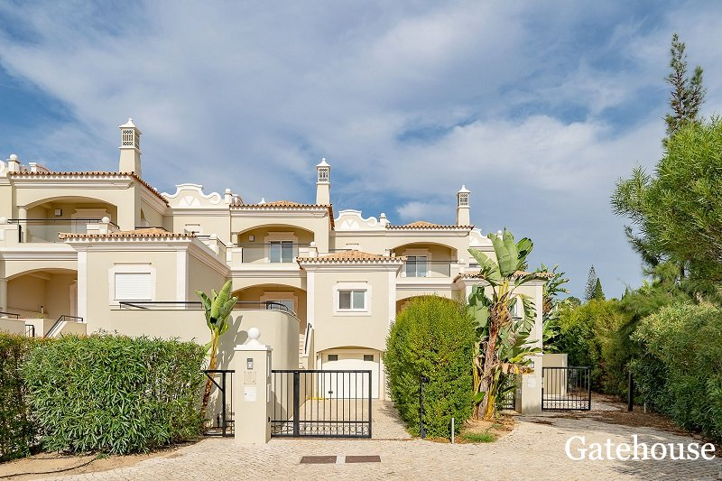 Bank Repossession Townhouse Sale In Almancil Algarve
