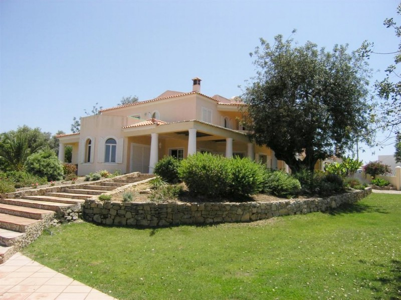 Bank Repossession Villa In Loule For Sale Algarve