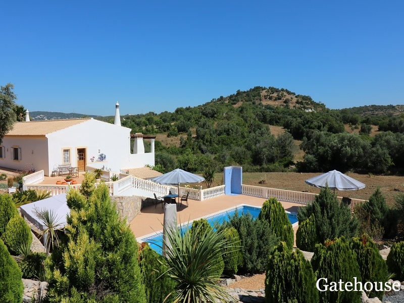 Bargain 4 Bed Villa In Sao Bras Algarve With Mountain Views