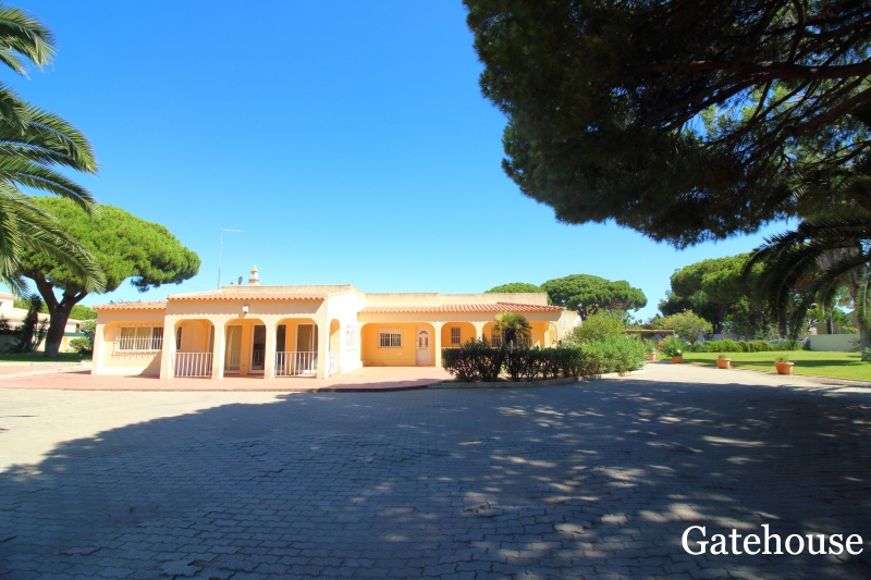 Bargain Golden Triangle Property For Sale In The Algarve