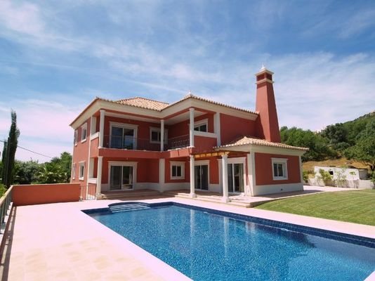 Bargain New Villa In Santa Barbara de Nexe Algarve