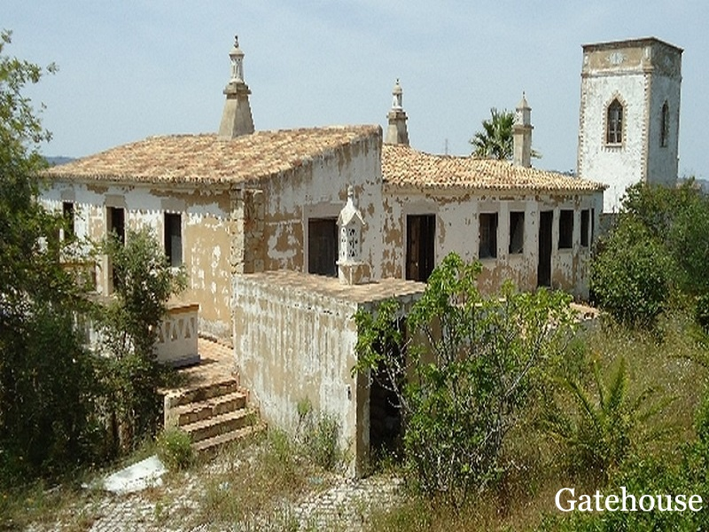 Bargain Palace of The 18th Century For Sale Algarve