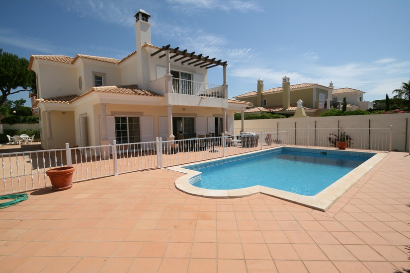 Bargain Villas In Varandas do Lago Quinta do Lago Algarve