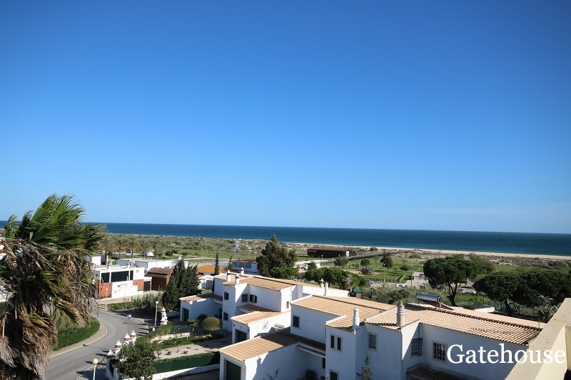 Great Value Sea View Apartment In East Algarve