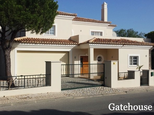 Portugal Bank Villa For Sale In Varandas do Lago