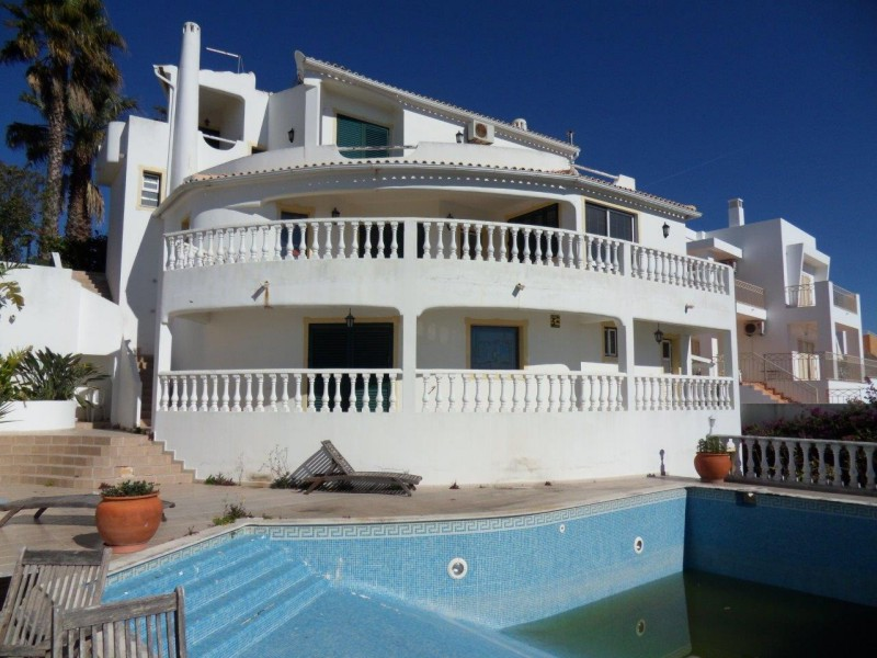 Repossession Villa For Sale In Albufeira Portugal