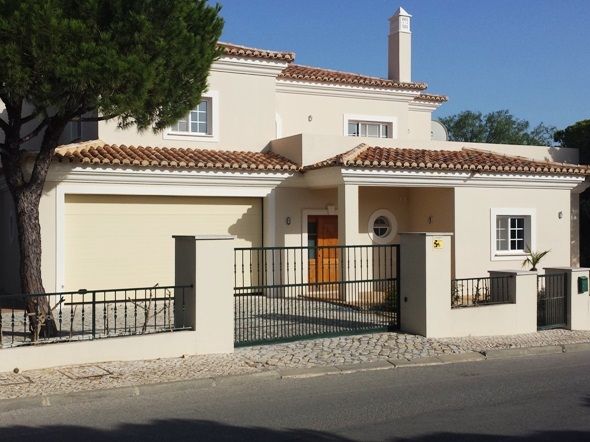 Varandas do Lago Bank Repossessions For Sale