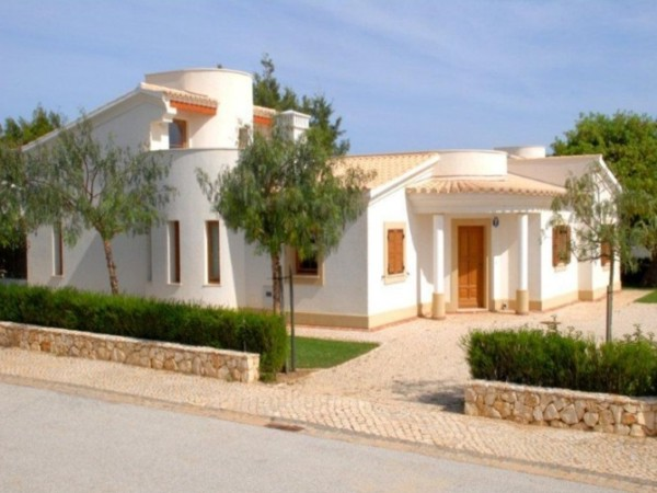 Algarve Bank Repossession For Sale In Burgau