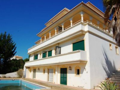 Bank Sale B&B Villa With 13 Beds In Ferragudo Algarve