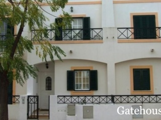 Tavira €140,000Bargain PropertyTownhouse with 2 beds, 3 baths with own private garden…