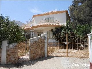 Altura €370,000Bank Repossession Bargain villa with 3 bedrooms, garage, garden and swimming pool…