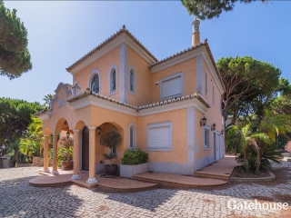 Vale do Lobo €2,8 MillBank RepossessionLuxury golf front villa with 4 beds & 5 baths with pool & garden…